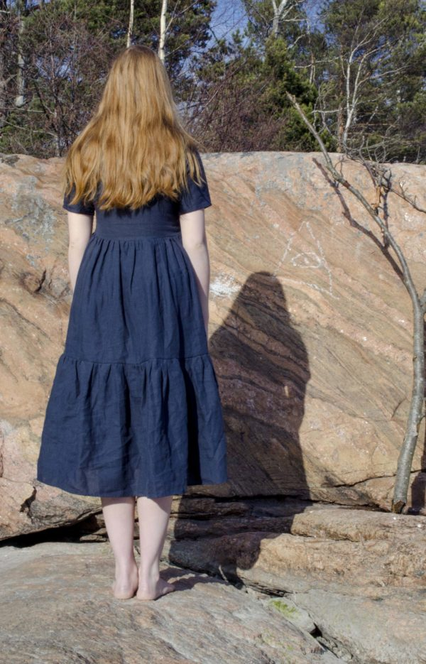 Gathered linen laura dress in navy, made in finland