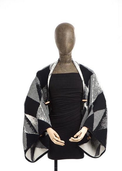 hihake lohko black merino wool, made in finland
