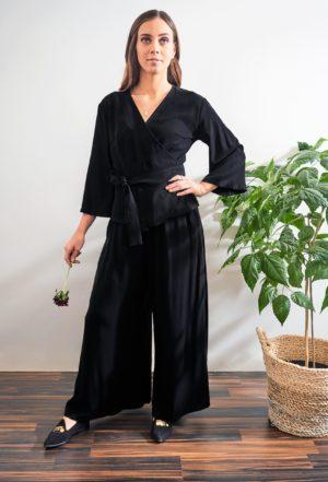 aamu trousers in black