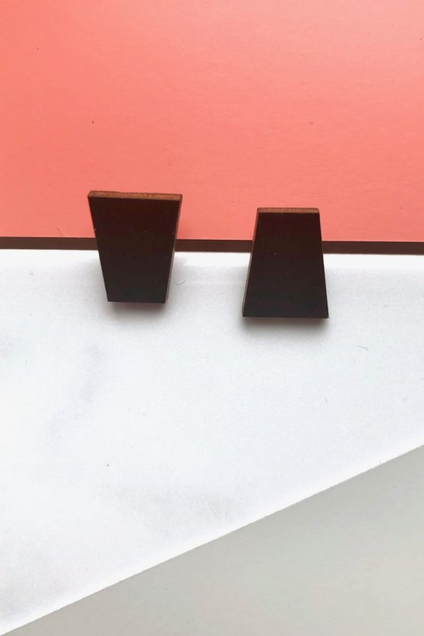 chip earrings
